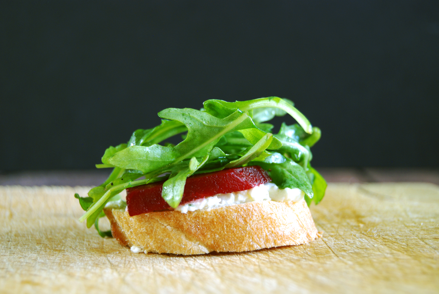 Herbed Goat Cheese Crostini with Roasted Beets and Arugula ...