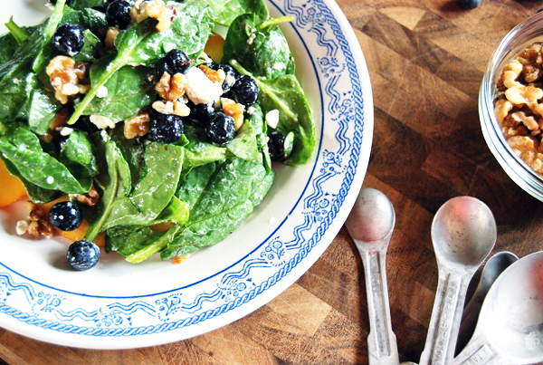 Baby Spinach and Fruit Salad with Champagne Vinaigrette, Goat Cheese and Walnuts | The Charming Detroiter