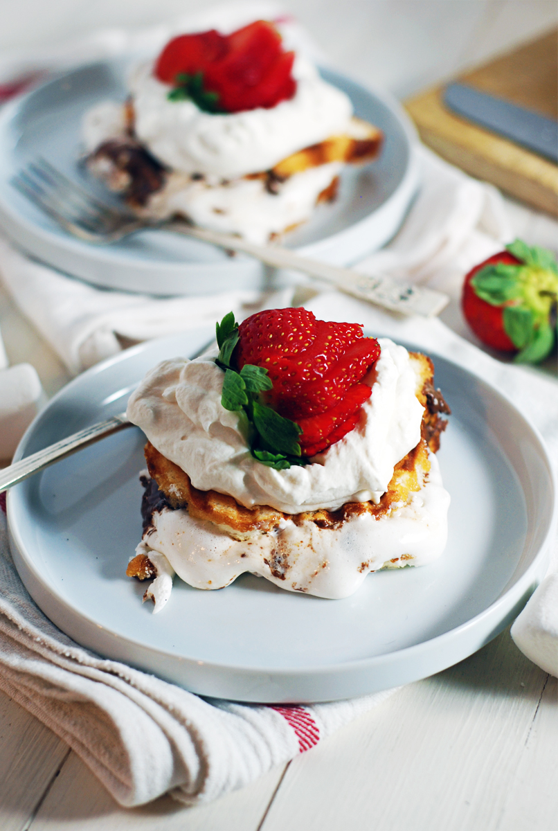 Quick Strawberry Shortcake S'Mores