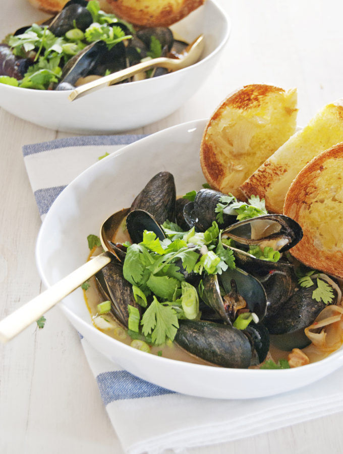 Mussels with Fennel Thai Chili Broth and Garlic Toasts