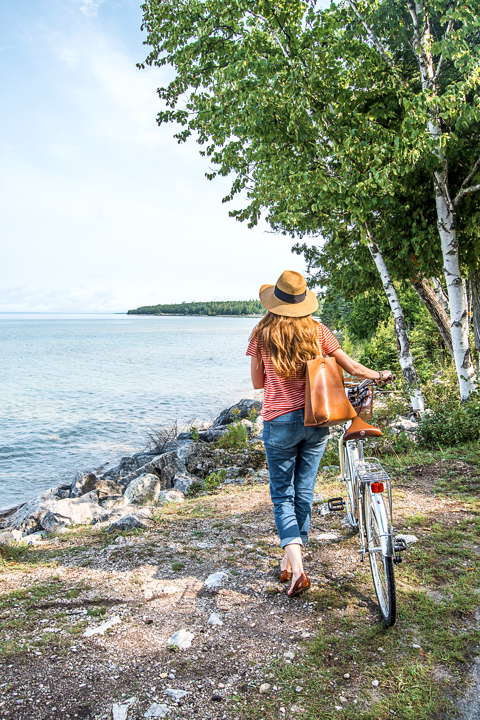 Mackinac Island is one of the jewels of the Midwest, and I'm sharing my must-do Mackinac Island guide today on the blog: from where to stay and eat to what to do on the island, it's all here!